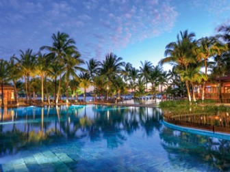Mauricia Beachcomber Resort & Spa Hotel Image
